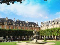 Place des Vosges in the Marais #Paris  A great place to sit & have lunch!