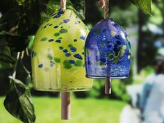 Add a touch of magic to your backyard with these hand-blown glass garden bells. Whether you hang them from a tree or bring them inside, when sunlight hits these delicate bells they give off a lovely, colorful light. Unique Christmas Gifts, Holiday Decor, Family Tree Necklace, Gifts For My Sister, Unique Gifts For Her, Contemporary Garden, Recycled Glass, Hand Blown Glass, Glass Ornaments