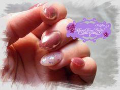 #MarsiDoesNails! #pinkchromenails #opalescentnails #opalnails #almondnails #nailart #chromenails #rosegoldnails