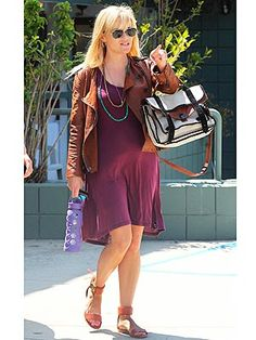 Reese Witherspoon looking gorgeous in a purple dress