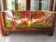 Moda y complementos de seda: foulards, vestidos, blusones, chales, pañuelos,.... http://www.italianist.com/2013/07/julunggul/