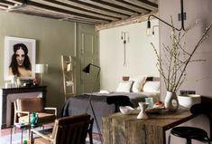 Cómo dar un acabado dorado a tus muebles · DIY: Gilding your furniture - Vintage & Chic. Decoracion Vintage Chic, Concrete Design, Paris Apartments, Bathroom Design Small, Open Plan Kitchen, Style Vintage, Black Kitchens, House Floor Plans, Midcentury Modern