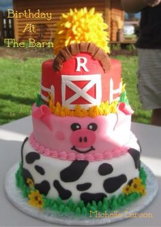 Farm, barn birthday cake.  Haystack smash cake.  Pig cake.