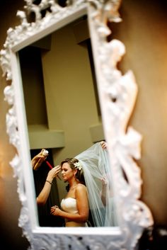 Wedding Preparation : Photos of the Bride and Groom Getting Ready | Kevin Weinstein Photography