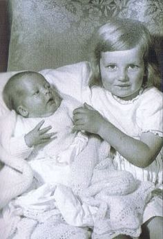Diana with her brother, Charles, heir to Althorp.