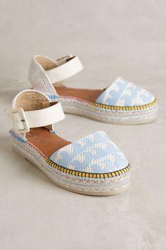 Tati ViNog: Flatforms - O Polêmico Salto Shoe Boots, Shoes Sandals, Flats, Shoe Bag, Leather Sandals, Dream Shoes, New Shoes, Cute Shoes, Me Too Shoes