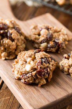 These spiced almond breakfast cookies turn almonds into almond butter for a healthier breakfast cookie that smells like the holidays and tastes delicious.