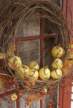 Apple Wreath - For Halloween paint the apples orange or use mini pumpkins. Halloween Veranda, Halloween Porch, Fall Halloween, Fall Crafts, Holiday Crafts, Porche D'halloween, Apple Wreath, Pumpkin Wreath, Creation Deco