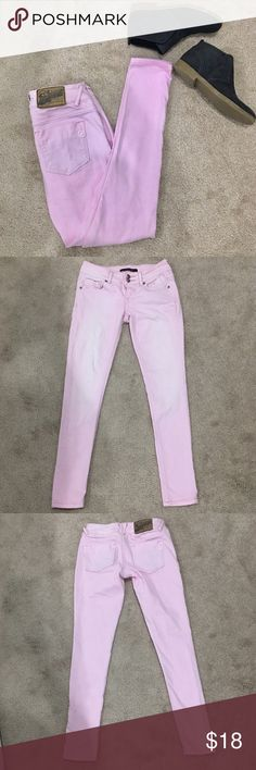 VIGOSS Studio Skinny Jeans🦄 Excellent condition. Never hemmed.  Skinny with stretch to them. 💕Booties for sale in separate listing💕 Vigoss Jeans Skinny