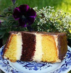 Metrový koláč • recept • bonvivani.sk Czech Recipes, Ethnic Recipes, Tiramisu, Cooking Recipes, Sweets, Baking, Cake, Food, Kitchens
