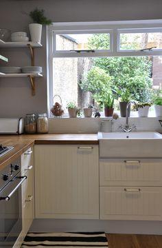 white kitchen www.allspicedesign.com