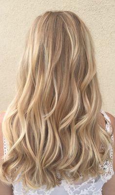 New hair highlights golden haircuts Ideas Blonde hair models – Hair Models-Hair Styles Golden Blonde Hair, Blonde Hair Looks, Blond Hair Colors, Dying Hair Blonde, Beige Blonde, Hair Colour, Curly Blonde, Ombre Hair, Balayage Hair