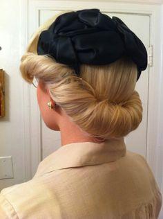 Vintage hair updue 1940s retro pinup