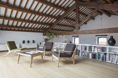 Conversão de um antigo galpão industrial em uma residência unifamiliar  / Guim Costa Calsamiglia