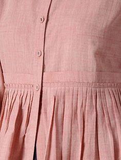 Sleeves Designs For Dresses, Dress Neck Designs, Blouse Designs, Simple Kurti Designs, Kurta Designs Women, Pakistani Dresses Casual, Pakistani Dress Design, Layered Kurta, Plus Sise