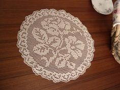 Round Rose Doily In Vinatage Beige Yarn by Aimezvousclassique