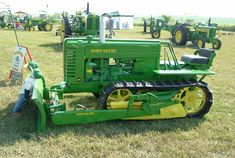 The Model 40 - Two Cylinder Expo 2005 Old John Deere Tractors, Jd Tractors, Tractor Mower, Crawler Tractor, Antique Tractors, Vintage Tractors, John Deere Equipment, Heavy Equipment, Earth Moving Equipment