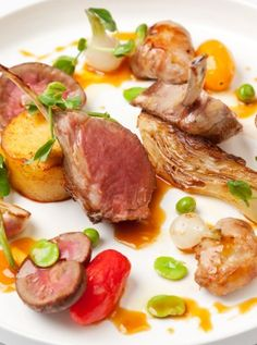This muscular dish from Great British Chef Francesco Mazzei epitomises nose-to-tail eating, pairing a rack of #WelshLamb with its sweetbreads and kidneys. Broad beans, peas, tomatoes and watercress make lovely summery accompaniments but feel free to adapt this rack of Welsh Lamb recipe to suit other seasons.
