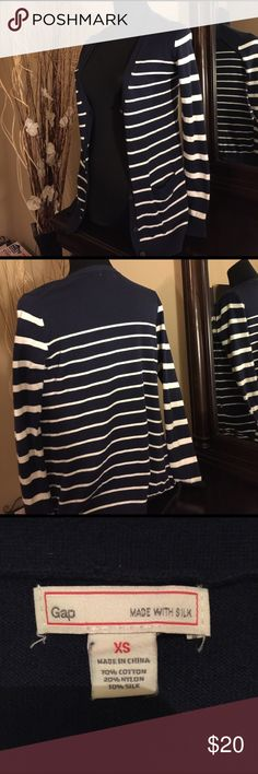 Gap sweeter navy blue with stripes Great condition basic sweater with stripes perfect with Jeans blue navy. Size xs great quality 10% silk 70 cotton 20% nylon GAP Sweaters Cardigans