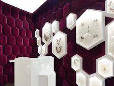 The Tailor Shop by Ippolito Fleitz Group (photo: Zooey Braun) Jewellery Shop Design, Jewellery Showroom, Jewelry Shop, Jewelry Stores, Jewelry Making, Showroom Interior Design, Retail Interior, Showroom Ideas, Design Shop