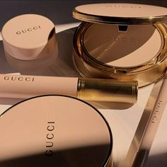 Cream Aesthetic, Gold Aesthetic, Classy Aesthetic, Aesthetic Makeup, Beauty Care, Beauty Skin, Beauty Makeup, Accessoires Iphone, Makeup Brands