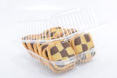 Small Bakery packaging options from Plastic Container City give you flexible choices for storing cookies, cake slices and desserts. Small Plastic Containers, Baking Packaging, Small Bakery, Bakery Supplies, Plastic Animals, Baking Pans, Cupcake, Cheesecake, Desserts