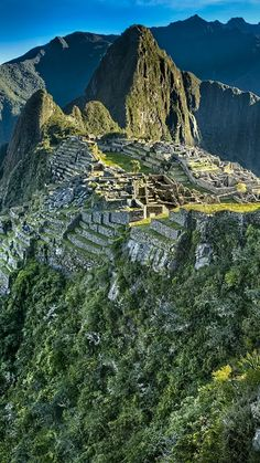 Machu Picchu is a Century Incan citadel set high in the Andes Mountains in Peru. Machu Picchu, Cool Places To Visit, Places To Travel, Places Around The World, Around The Worlds, Andes Mountains, Peru Travel, Ancient Ruins, Belle Photo