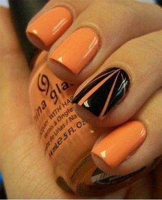 Orange and black Halloween nails, simple and cool.