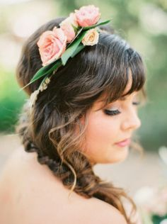 This fall floral Austin wedding captured by Jessica Gold Photography has some of the most unique floral arrangements I have ever seen. Fashion News, Fashion Trends, Net Fashion, Fishtail, Hair Trends, Diy Wedding, Wedding Hairstyles, Braids, Hair Styles