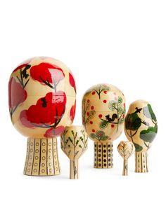 COMPANY Baum der Jahreszeiten - Weiß - Home - ARKET DE Tonga, Brunei, Green China, Bulb Vase, Linden Wood, Baby Pigs, Matryoshka Doll, Silver Prices, Christmas Inspiration