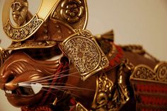 Canadian artist Jeff de Boer creates armor for cats and mice.