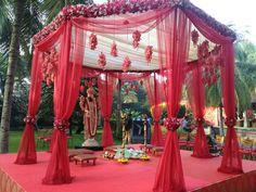 Amazing and Unique Tips: Wedding Flowers Summer 2018 country wedding flowers pine cones. Desi Wedding Decor, Wedding Stage Decorations, Wedding Mandap, Wedding Table Centerpieces, Wedding Ideas, Wedding Ceremony, Sikh Wedding, Centerpiece Ideas, Hindu Weddings