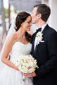 Beautiful Bride and Groom Portrait | Ricky Stern Photography | Bridal Musings Wedding Blog