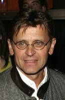 Mikhail Baryshnikov (1948-present) Known as the best living male ballet dancer, Mikhail Baryshnikov is a famous Russian dancer. He has had roles in film, as he starred in the last season of Sex and the City.