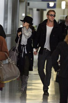 Ryan Gosling Dating Eva Mendes: New Photos Ryan Gosling Dating, Ryan Gosling Style, Ryan Gosling Birthday, Eve Mendes, Celebrity Couples, Celebrity Style, Eva Mendes And Ryan, Wide Brimmed Hats, Cute Couples