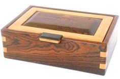 Decorative Boxes : pixels -Read More – Woodworking Workshop Plans, Woodworking Box, Easy Woodworking Projects, Wooden Box Designs, Custom Wooden Boxes, Small Jewelry Box, Wooden Jewelry Boxes, Box Maker, Small Wood Projects