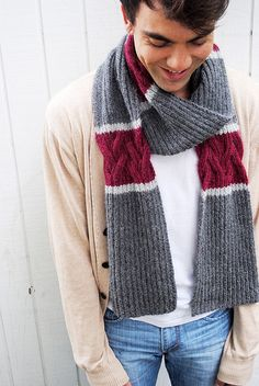 This simple scarf is an excellent alternative to your typical garter stitch or ribbed scarf. Reversible ribbed cables are accented with a punch of color and then flanked with another contrasting color, making it both relaxing and stimulating to knit. Mens Scarf Knitting Pattern, Crochet Mens Scarf, Crochet Scarves, Knitting Designs, Knitting Patterns, Knit Crochet, Men's Scarves, Modelos Fashion, How To Purl Knit