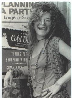 While working volume up and sing out loud with Janis Joplin...and I want this poster!