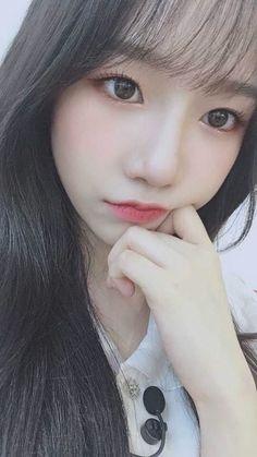 Kpop Girl Groups, Kpop Girls, Asian Woman, Asian Girl, Yoon Sun Young, Sana Momo, Japanese Girl Group, Ulzzang Couple, Yuri