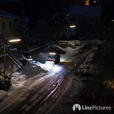 ... bis zum #frühling ist er fertig! #linz  . . . . . #visitlinz #igerslinz #linzer #schnee #snow #winter #traffic #verkehr #mountains #winterwonderland #winter #igersaustria #upperaustria #oberösterreich #visitaustria #schilda #potd #mood #cold #neuschnee #römerberg #downtown #citylife
