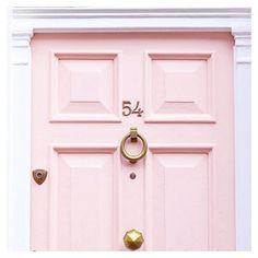 I need that door in my life How beautiful? #door #dream #pink #interior