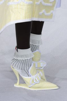 Thom Browne at Paris Fashion Week Spring 2020 - Details Runway Photos we have chosen the newest fash Elle Fashion, Daily Fashion, Fashion Brand, Runway Fashion, Fashion Shoes, Fashion Accessories, Crazy Fashion, Ugly Shoes, Sock Shoes