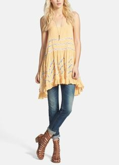 Love the lace trim on this tunic dress.