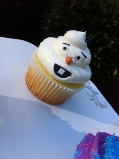 Olaf Cupcake, inspired from Disney's Frozen.