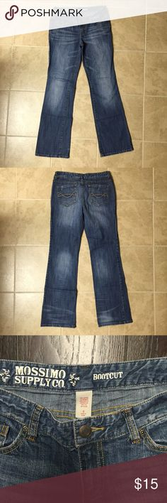 🍂Mossimo Bootcut Jeans🍂 Time to stock up on fall clothing! 🍂👖🍁Excellent condition. Worn once. Mossimo Supply Co Jeans Boot Cut