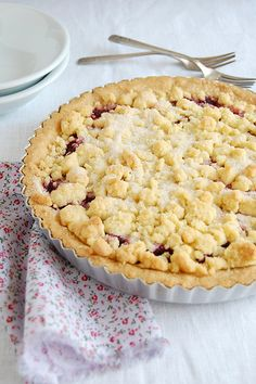 Raspberry crumble tart / Torta crumble de framboesa by Patricia Scarpin, via Flickr