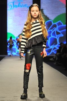 MONNALISA  Fall/Winter 2017  Fashion Show  Stazione Leopolda #Monnalisa #Jakioo