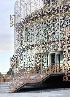 Edificio Corporativo de Oficinas del Centro Tecnológico de Hispasat in Spain by Herreros Arquitectos Find your inspiration with I-MESH #imeshmktg www.i-mesh.eu: