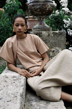 See the complete Céline Resort 2018 collection.