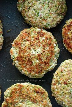 Moje Dietetyczne Fanaberie: Fit kotleciki drobiowe z kaszą i brokułami My Dietary Frills: Fit chicken chops with groats and broccoli Superfood, No Frills, Baked Potato, Quiche, Food And Drink, Healthy Eating, Healthy Recipes, Dinner, Cooking